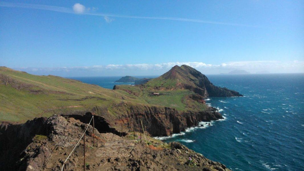 Gyalogút a Szent Lőrinc-félszigeten (portugálul Ponta de São Lourenço) Madeira szigetén.
